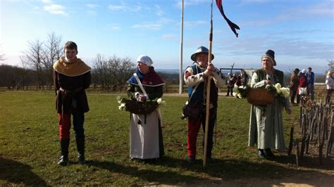 richard itv wales richard iii ceremony to remember the fallen at the battle
