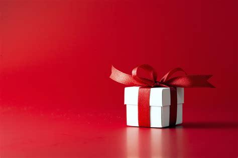 christmas gift ideas for single catholics catholicmatch