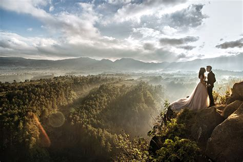 Bandung Wedding Photography by 23 Wedding Portraits Around The World In Unforgettable