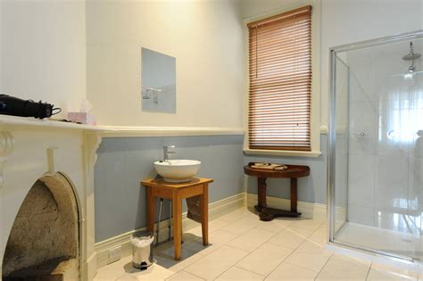 self contained bathroom two bedroom self contained terrace alexandra place