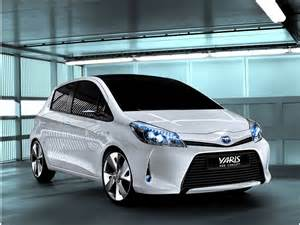 Toyota Electric Car Drive Toyota Yaris Hsd Sa Car Fan Electric Cars