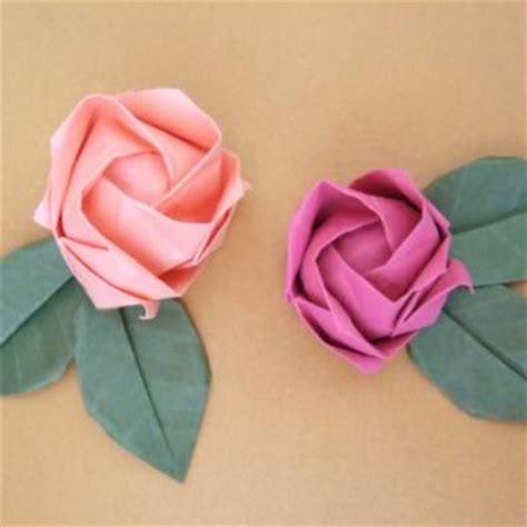 paper craft roses origami roses tutorial flower origami tip junkie
