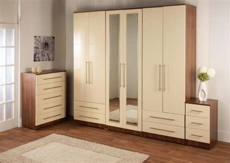 cream lacquer bedroom furniture 25 best ideas about cream bedroom furniture on pinterest