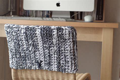 Tuto Housse De Chaise by Crocheter Une Housse De Chaise En Trapilho Apodioxe Fr