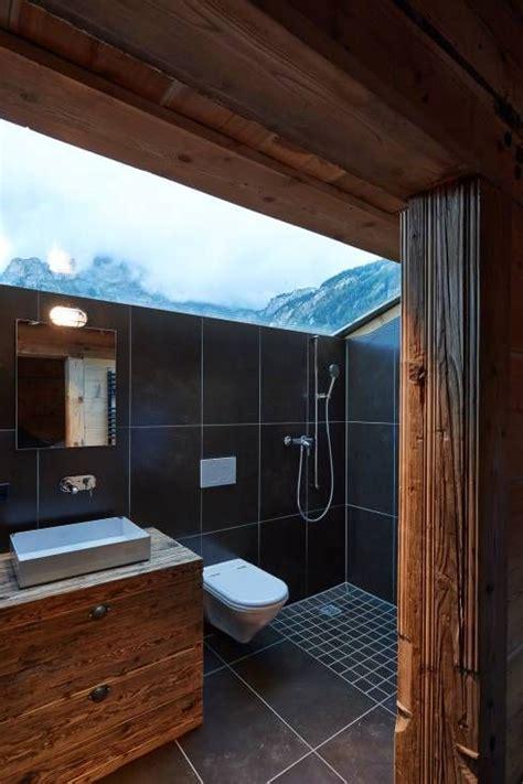badezimmer chalet 360 176 kleines chalet in gsteig klassisches badezimmer