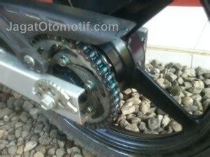 Pelumas Rantai Yamalube Produk Chain Lube Yamalube Keluaran Yamaha Jagatotomotif Id