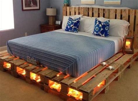 mobili con pedane di legno letti matrimoniali fai da te in pallet di legno bcasa