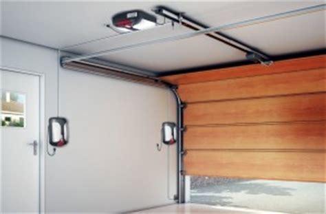 Garage Door Opener Has No Power Safety And Security For Garage Door Openers Garage Door
