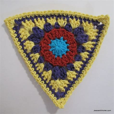 triangle pattern for bunting 10 images about crochet triangle motifs on pinterest