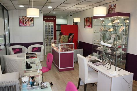 Decoration Salon Onglerie by Strass Ongle Institut De Beaut 233 Manucure Pose D Ongles