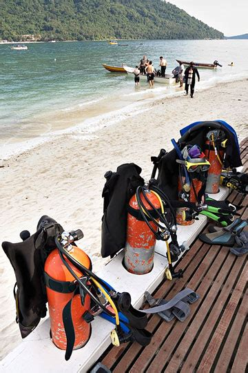 scuba dive equipment scuba equipment guide to scuba diving gear