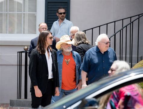 photos gregg allman s funeral draws notables fans