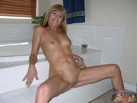 nude milf With Glasses