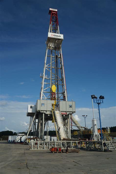 fotos gratis vehiculo torre mastil puerto puerto gas plataforma petrolera flete de