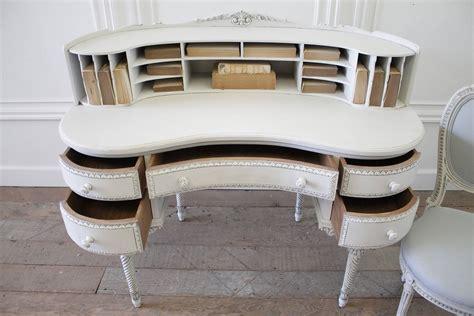 20th Century Louis Xvi Style Kidney Bean Shaped Desk And Kidney Bean Shaped Desk