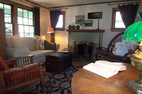 the green room tacoma sitting room picture of the green cape cod bed breakfast tacoma tripadvisor