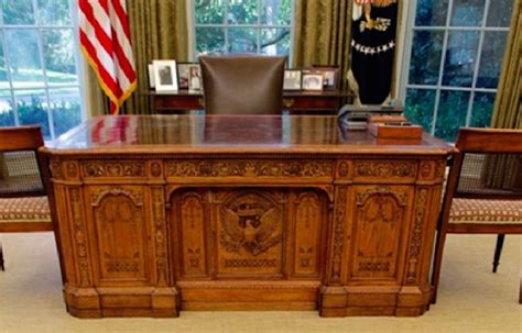 Oval Office Desk The Desk In The Oval Office 28 Images Oval Office Desks That Served The Presidents Daily