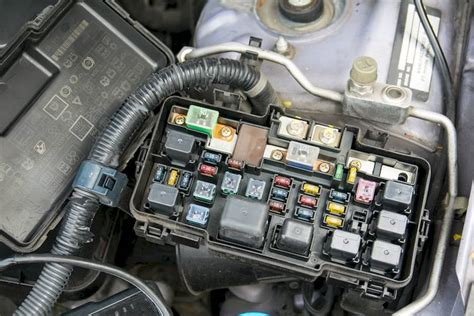 symptoms   bad  failing anti lock fuse  relay