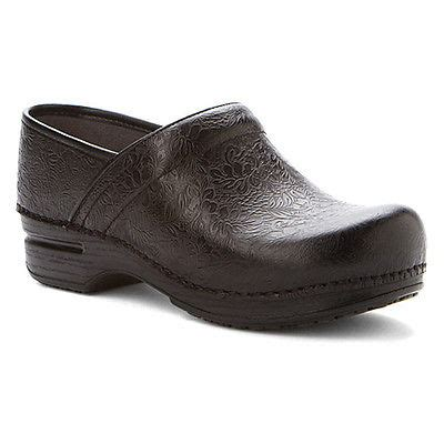 Best Kitchen Clogs by Best Kitchen Shoes Reviewed Compared Tested In 2017