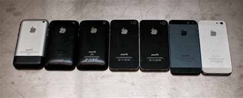 picture all 7 generations of apple iphone at one place