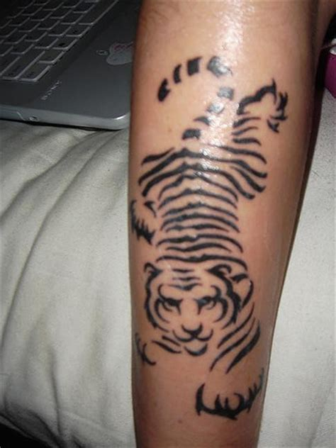 simple tiger tattoo designs simple animal tiger tattoos designs for guys zentrader