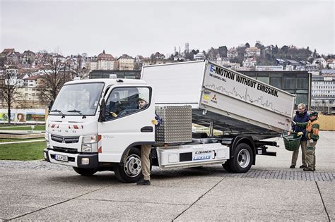 truck mitsubishi canter daimler delivers 5 fuso canter e cell electric trucks in