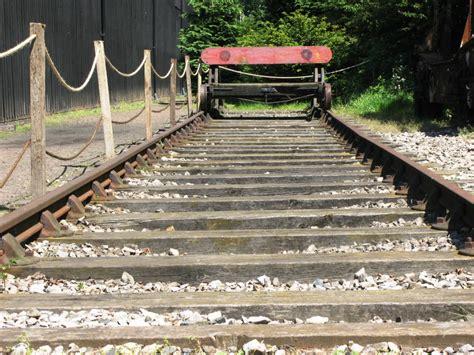 Feet In Meter file broad gauge cross sleepered track jpg wikimedia commons