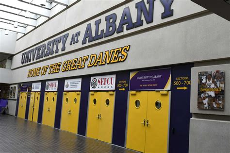 Rpi Vs Ualbany Mba by Ualbany Beat Binghamton To Extend Streak Vs Bearcats