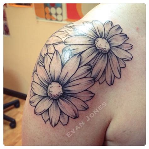 40 beautiful daisy tattoos on shoulder