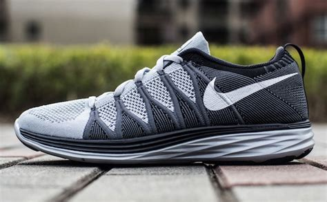 Nike Lunar Ringan 4 sepatu lari terbaik saat ini hadiah me