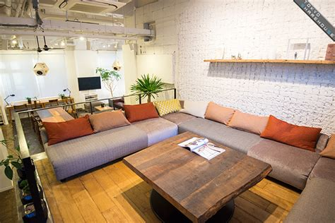 Platform Living Room by Source Of Culture Anteroom Apartment Osaka