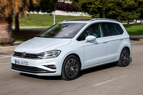 New Volkswagen Golf by New Volkswagen Golf Sv 2017 Review Pictures Auto Express