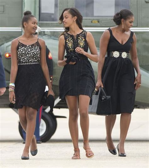 obama first family first lady michelle obama daughters sasha left and