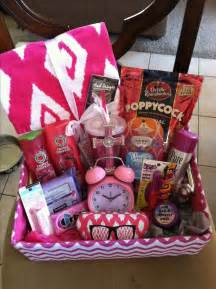 Birthday Basket Made This For My Best Friend S Birthday Pretty With A Bow On Top