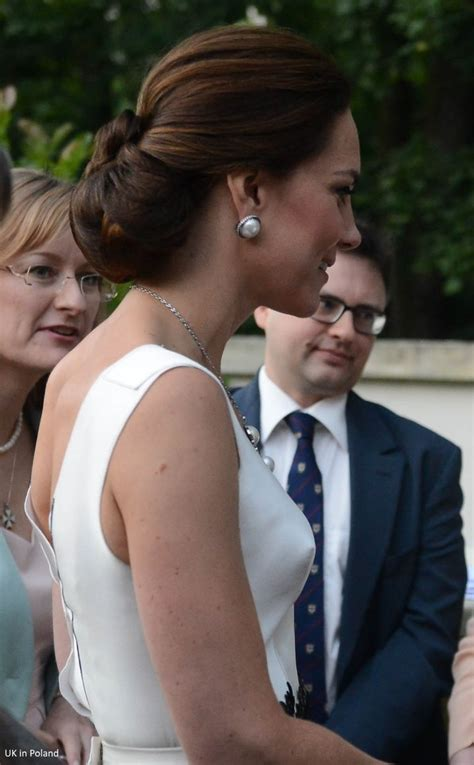the designer of princess kate s favorite pearl earrings 801 best william and kate images on pinterest
