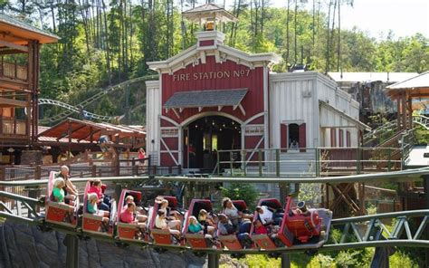 doll wood dollywood in pigeon forge tn tennessee vacation