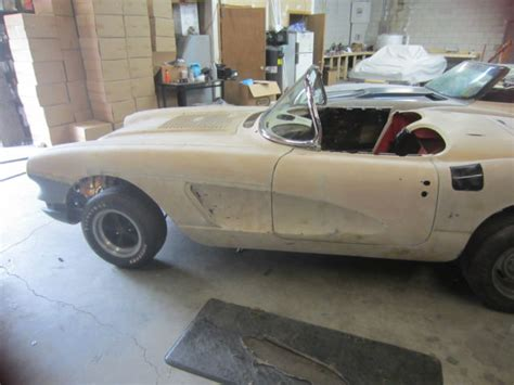 auto body repair training 1958 chevrolet corvette transmission control 1958 corvette rolling body perfect resto mod project c1 new windshield frame for sale in