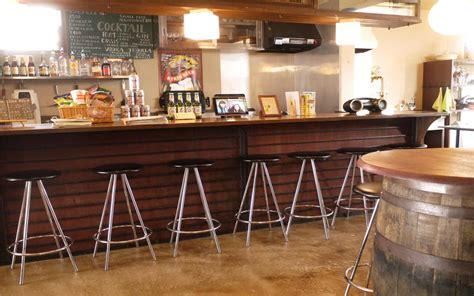 desain cafe sederhana hostel cafe bar backpackers miyajima in hiroshima japan