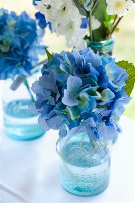 blue hydrangea centerpiece blue hydrangea jar centerpieces www imgkid the image kid has it