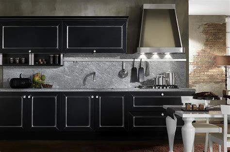 Cucina Nera E Legno by 7 Buone Ragioni Per Scegliere La Cucina Nera Casafacile
