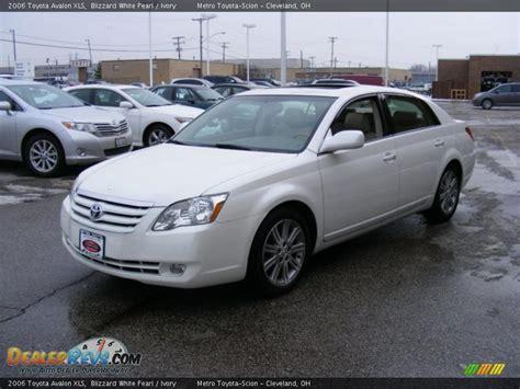 2006 Toyota Avalon Xls 2006 Toyota Avalon Xls Blizzard White Pearl Ivory Photo