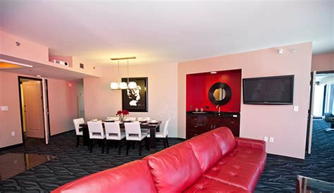 vegas 2 bedroom suite elara a hilton grand vacations hotel las vegas hotels