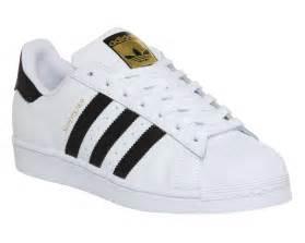 Hombres De Las Adidas Originals Superstar Foundation Zapatos Collegiate Armada Corriendo Blanco B27163 Zapatos P 557 by Para Hombre Adidas Superstar 1 Blanco Negro Fundaci 243 N
