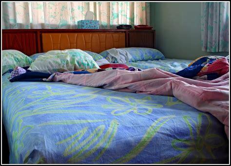 schimmelbefall im schlafzimmer schimmelbildung im schlafzimmer mietminderung