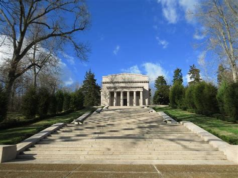 lincoln birthplace memorial memorial