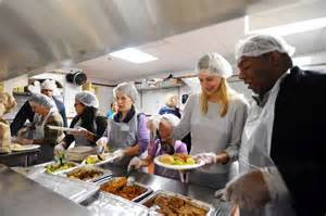 Homeless Shelters Officials Serve Meal At Stamford Homeless Shelter Newstimes