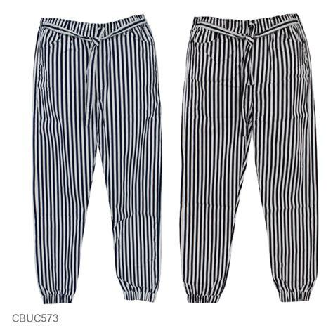 Celana Motif Katun Stretch celana joger katun stretch monochrome stripe celana