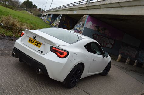 modified toyota gt86 tastefully modified pearl white gt86 extras toyota gt
