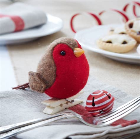peg on robin red breast decoration by the christmas home