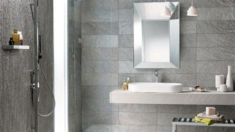 smaltare piastrelle bagno bagno grigio esempi e soluzioni di arredamento con foto